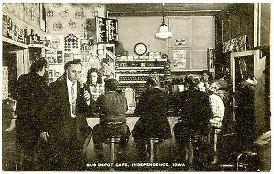B6878 Union Bus Depot Cafe Independence IA Interior View Vintage Postcard Artvue