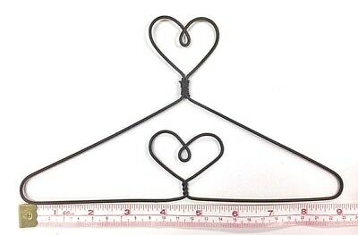 "6X  Wire Quilt Hanger  9"" x 5-1/8"" High  ""Heart on Top & in Centre"" Theme"
