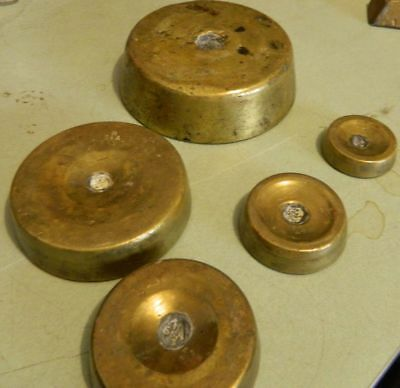 Set of 5 WT Avery Brass Scale Stacked Weights Up to 5 Pounds