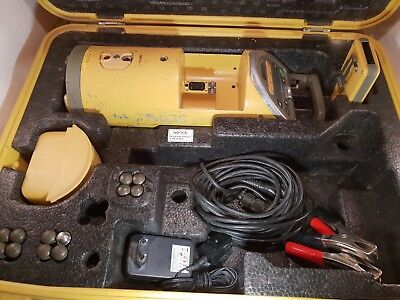 Topcon Green Beam Pipe Laser Model TP-L3G TESTED, WORKING, GOOD! INCLUDES BATT