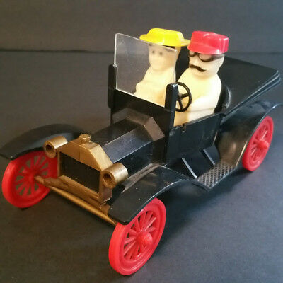 Vintage antique car with gentleman and lady salt pepper shaker PAT. PEND. USA