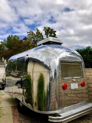 1967 Vintage Airstream Caravel 17' 1975 Pounds Air Plus Baby-sized and Light AIR