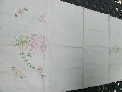 Vintage Linen Table Runner Pink  Lazy Daisy Hand Embroidery 36: x 17 1/2""