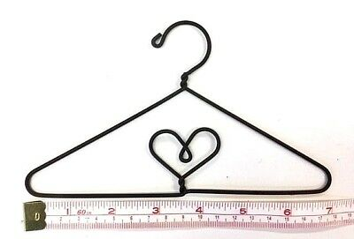 "6X  Wire Quilt Hanger  7"" x 4"" High  ""Heart in Centre"" Theme"