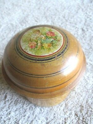 Early 20th C  boxwood  powder puff - cherub and roses picture