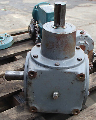 Hub City Right Angle Bevel Gear Drive 1/1 Ratio Model 800 Style DE Used Take Out