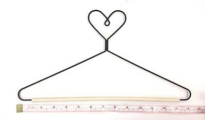 "Wire Quilt Hanger with Heart on Top & 12"" Wood Dowel"