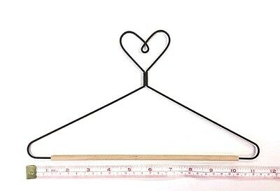 "Wire Quilt Hanger with Heart on Top & Wood Dowel  9"" (Wood Dowel Length)"