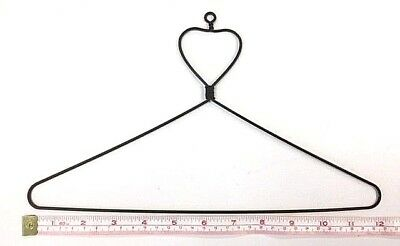 Wire Quilt Hanger with Heart on Top  12""