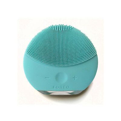 Foreo LUNA mini 2 Facial Cleansing Silicone Brush | Sephora Mint | All Skin