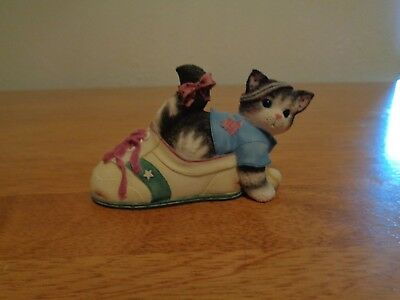 """Enesco Calico Kittens - """"Your Friendship Keeps Me Fit"""" Figurine"""