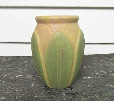 ANTIQUE ROSEVILLE Mission  ARTS CRAFTS ~  VELMOSS  ~ 6 inch tall VASE near  MINT