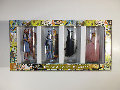 Wizard of Oz  Set of 4 collectors Glasses  New Glass