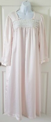 Pale Pink VINTAGE CHRISTIAN DIOR long silky nylon Nightgown Sz. MEDIUM lace bows
