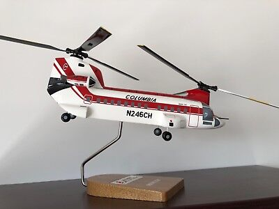 Chinook-Wood-Model-Helicopter-on-Stand
