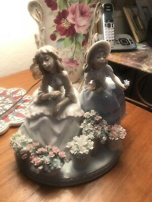 """Lladro #5537 """"Flowers For Sale"""" Group Figurine 2 Girls with Parasol RARE"""
