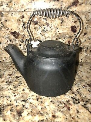 CAST IRON TEA KETTLE POT WAGNER Ware Salesman Childrens Size Porcelain Knob
