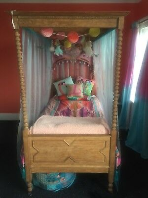 Gorgeous Antique Single Four Poster Bed Frame.