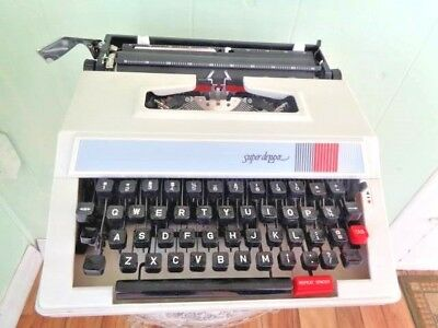 Excellent Petite Sz. Portable Manual Typewriter Works Fine-'Super Deluxe'
