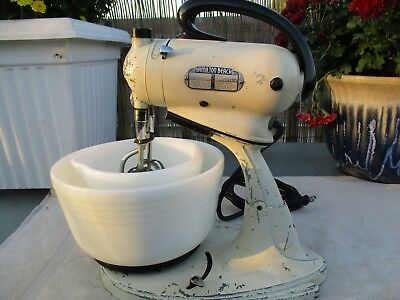 """Vintage Hamilton Beach Model """"e"""" Stand Mixer With Beaters And Bowls, Work Great."""