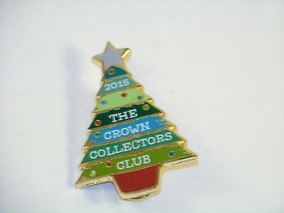 Hallmark 2015 The Crown Collectors Club Christmas Tree Pinback Hat Label Pin