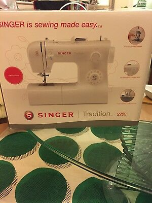 SINGER Tradition 2282 Sewing Machine NEW IN BOX