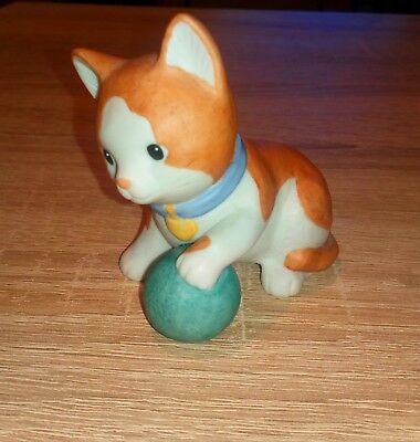 Goebel Katze mit Ball (Friends of Nina Marco Edition) Porzellan Figur