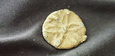 Lovely rare Post Medieval lead token with petals found in England. L104j