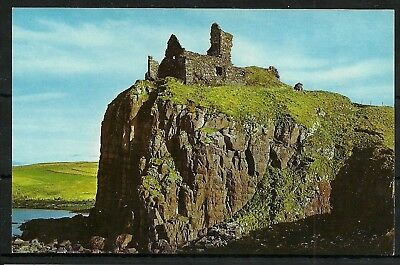 Postcard : Isle of Skye a view of ruins of Duntulm Castle