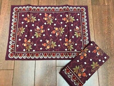 WILLIAMS SONOMA Berry Meadow PLACEMATS & NAPKINS Thanksgiving BURGUNDY Set 4 NWT