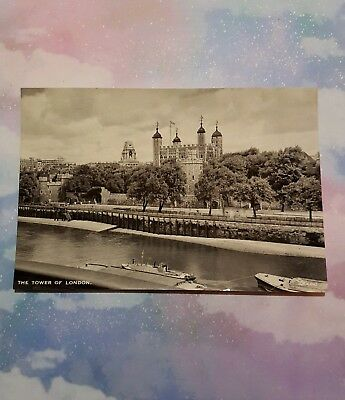 Vintage RARE POSTCARD The Tower of London! BRITISH collector's item LOOK!