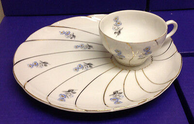 Yamaka Snack tray /Cup,Blue Flowers,Scalloped edges,Gold swirls- Japan