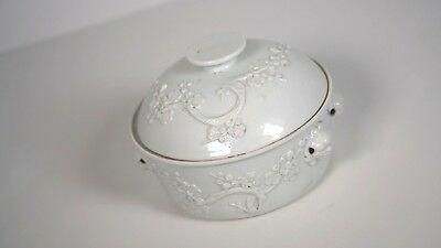 Chinese Antique Porcelain Chine De Blanc or Dehua Pot bowl with cover 17/18th