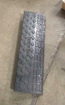 NEW 4'' Rubber Loading Dock Rubber Curb Ramps 20 Ton Car Ramp