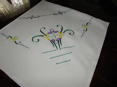 Vintage Beautiful White Irish Linen Hand Embroided Country Cottage Tablecloth