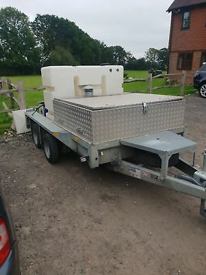 Hot water pressure washer graffiti chewing gum remover on trailer Patio Cleaner
