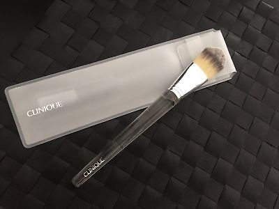 *NEW* CLINIQUE Foundation Brush (Full Size) Rrp £25