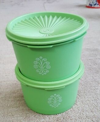 Lot of 2 VINTAGE TUPPERWARE GREEN APPLE 4 CUP CANISTERS WITH LIDS #1298
