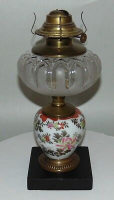 ANTIQUE Hand Painted P&A MFG Oil Lamp WATERBURY CT