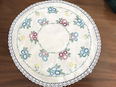 """Vintage Large Hand Embroidered Circular Cream Cotton Lace Table centre Cloth 20"""""""