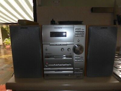 Sony Minidisc CMT CP33 system with FM/AM radio, Cassette and CD players