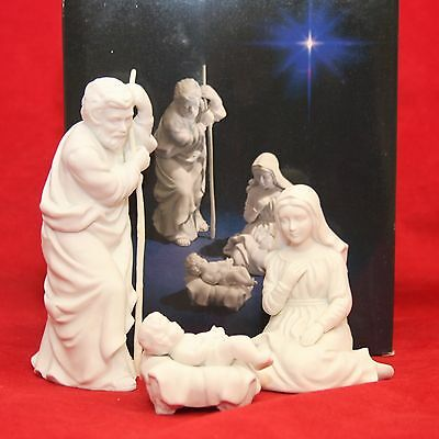 Avon Christmas Nativity Collection THE HOLY FAMILY Porcelain Figurine w/ Box