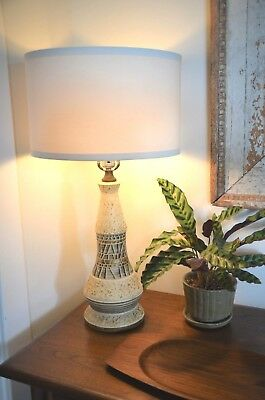 vintage Mid-Century Modern Pottery Table Lamp chalkware ceramic MCM
