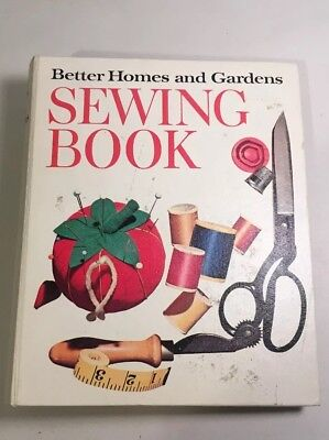 BETTER HOMES AND GARDENS SEWING BOOK 5 Ring Binder 1961 1970