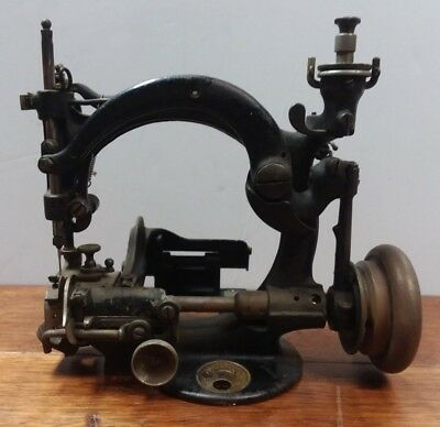Antique 1880's Willcox and Gibbs sewing machine rare Hat maker