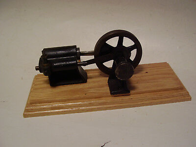 Antique Steam Engine, Small Model, Nice Vintage Piece, Wooden Base, No Reserve