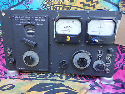 Standard Signal Generator Model 80-R Measurements Corporation