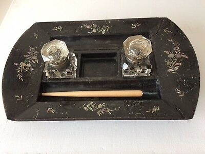 Jennens And Bettridge Papier-mâché mother-of-pearl INKSTAND mid 19th Century