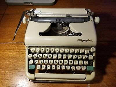 Vintage 1962-63 SM-5 SM5 Clean Olympia Portable Typewriter Made in West Germany