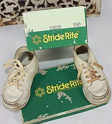 Vintage Stride Rite White Baby Shoes in Original Box Shoes 4 1/2 box is 5 1/2